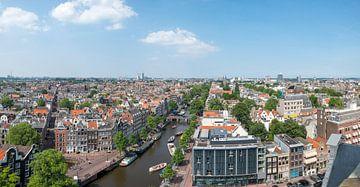 Panoramisch uitzicht over Amsterdam vanaf de Westerkerk toren van Sjoerd van der Wal