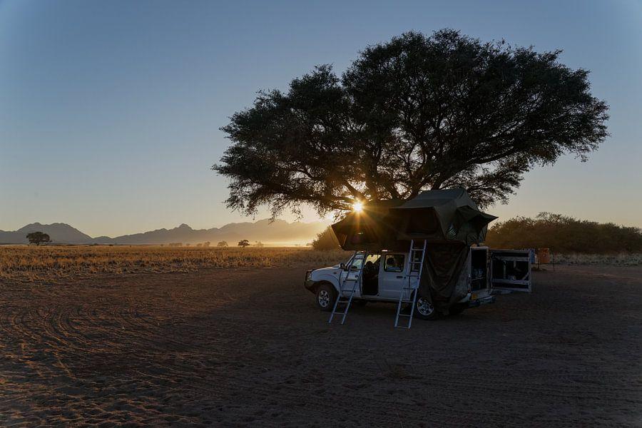 Sesriem Camping - zonsondergang - Namibië van Eddy Kuipers