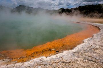 Rotorua - Noordereiland Nieuw-Zeeland Geothermisch landschap van Linda Bouritius
