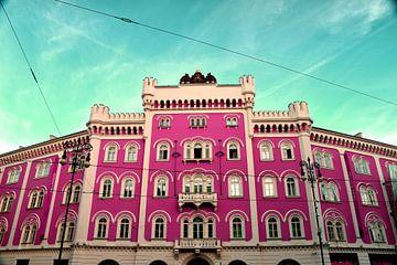 Praag Kasteel Stadscentrum met rijke kleurtonen Roze en Turqoise van Dorus Marchal