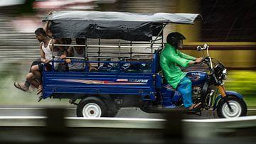 Ambon - Regen van Maurice Weststrate