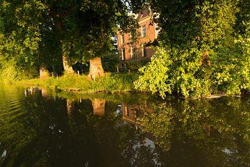 Landhuis Rhijnauwen gezien vanuit de Kromme Rijn van Marijke van Eijkeren