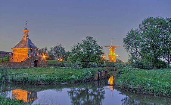 Gorinchem Dalems Poortje en windmolen de hoop