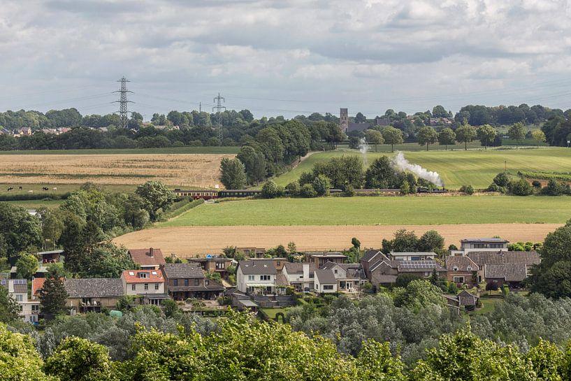 Stoomtreintje door zuid-Limburg van John Kreukniet