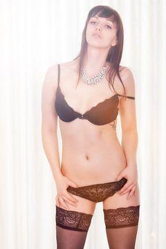 Sexy Frau in schwarzen Dessous von Tilo Grellmann | Photography
