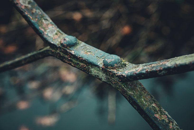 Détail d'une vieille balustrade métallique rouillée sur ElkeS Fotografie