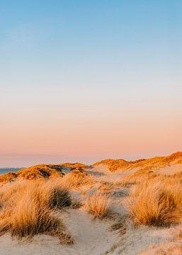 Zonsondergang in de duinen van Yvette Baur