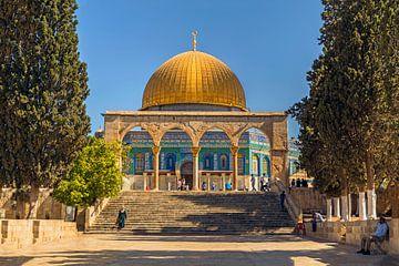 De Dome of the Rock, een Islamitische schrijn op de Tempelberg, Jeruzalem, Israel van Mieneke Andeweg-van Rijn