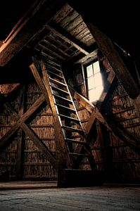 Houten trap naar boven