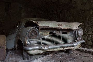 Urbex - Achtergelaten auto van Tim Vlielander
