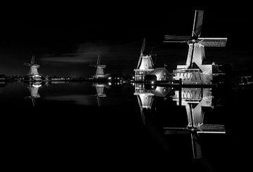 Molens op de Zaanse Schans. van Friso Kooijman