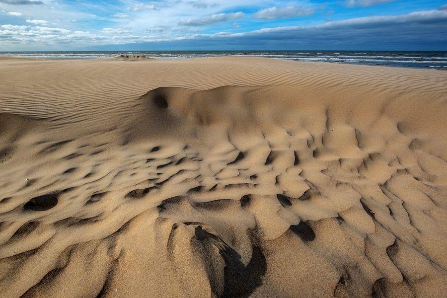 At the beach van Richard Marks