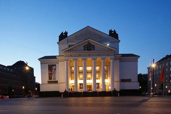 Deutsche Oper am Rhein/Theater der Stadt Duisburg am K�nig-Heinrich-Platz bei Abendd�mmerung, Duisbu