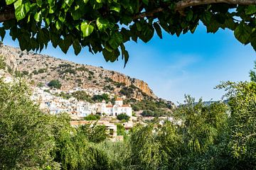 Het dorpje Kritsa in Kreta van Patricia van Loock