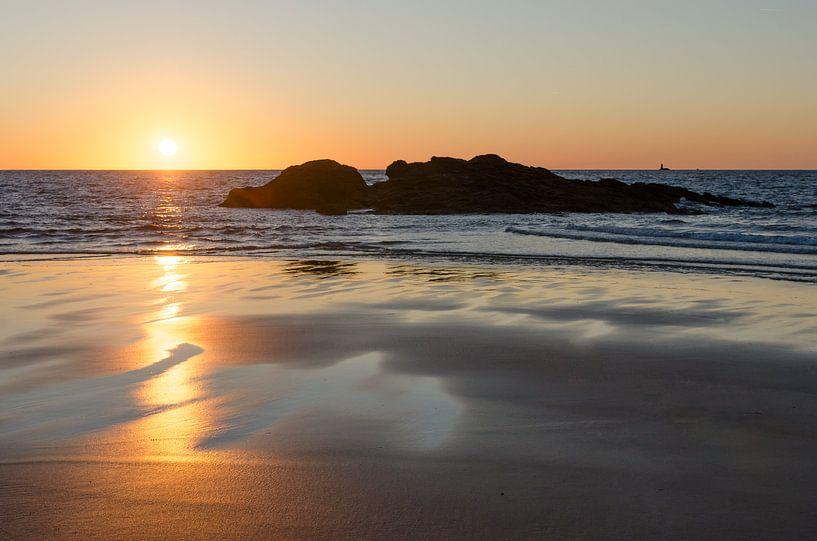 Sonnenuntergang am Strand von Mark Bolijn