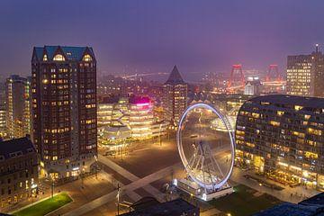 Een mistige zonsondergang in Rotterdam van Arisca van 't Hof