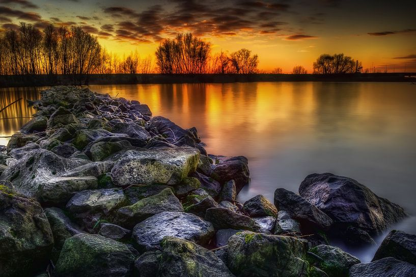 Sunset On The Rocks van Michiel Buijse