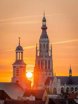 Breda Skyline, Grote Kerk tijdens zonsondergang van I Love Breda