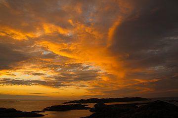 Zonsondergang in de Lofoten, Noorwegen van Sara de Leede