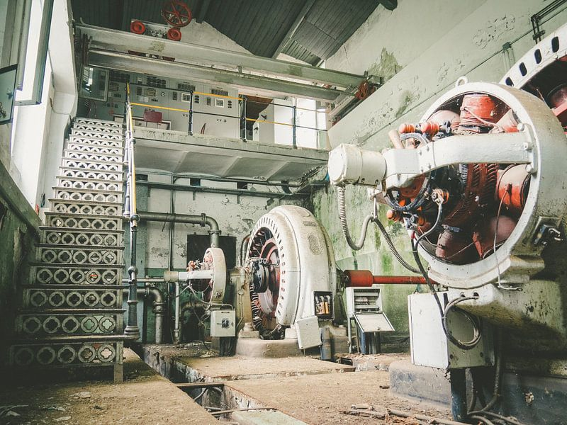 Zwei Wasserkrafttransformatoren von Martijn Tilroe