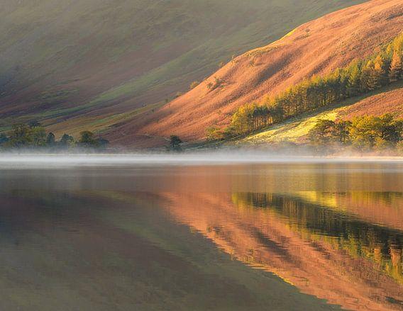 Herfstkleuren in reflectie van Jos Pannekoek