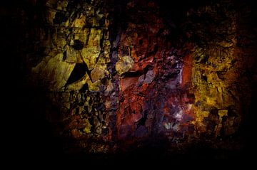 Inside The Vulcano (Thrihnukagigur Volcano) van Willem van den Berge