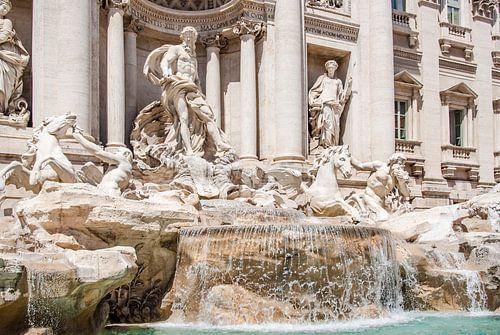 De wereldberoemde Trevi fontein in Rome, Italie.