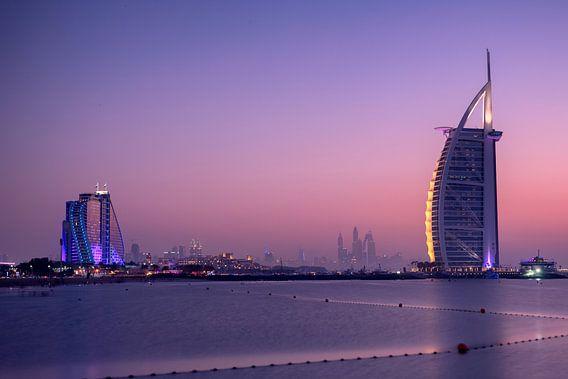Burj al Arab bij zonsondergang