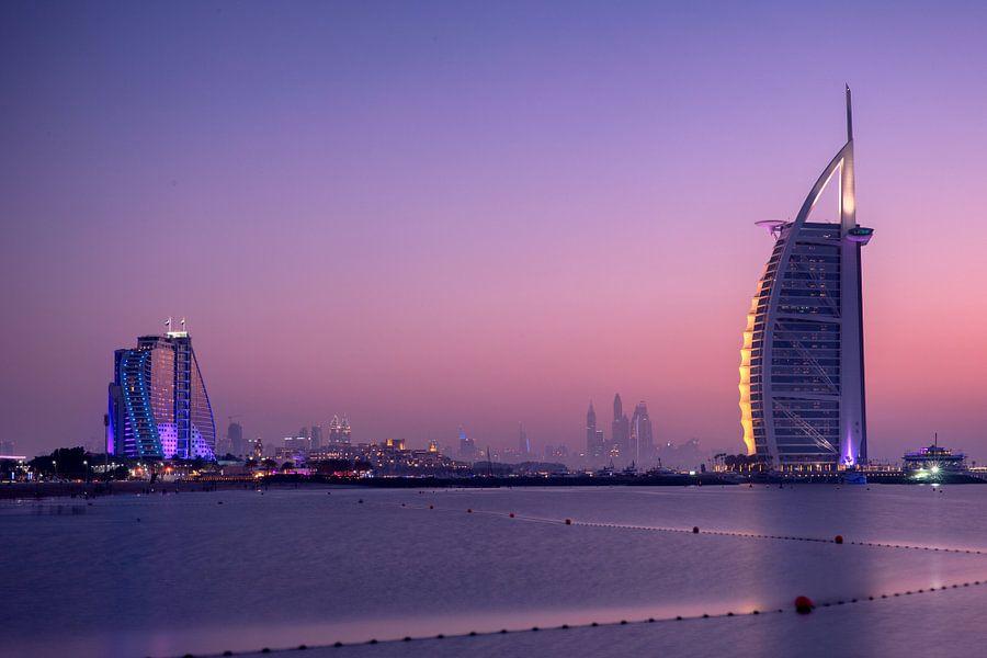 Burj al Arab bij zonsondergang van Rene Siebring