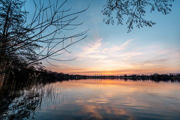 herfst zonsondergang aan het meer van Marc-Sven Kirsch