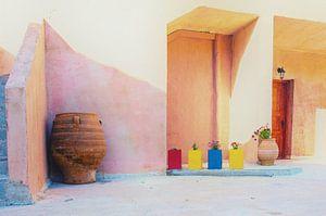 Binnenplaats van een schilderachtig dorpje op Kreta. van