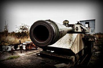 Panzer à l'ancien poste frontalier Allemagne de l'Ouest - République démocratique allemande Helmsted sur Eus Driessen