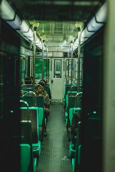 Metro in Parijs van Lars van 't Hoog