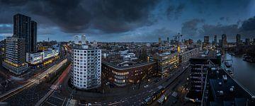 Blaue Stunde in Rotterdam von Jeroen Bukman