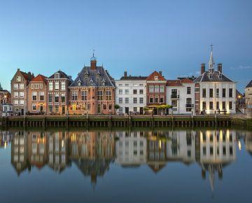 Maassluis, Alter Hafen in der Abenddämmerung von Maurits van Hout