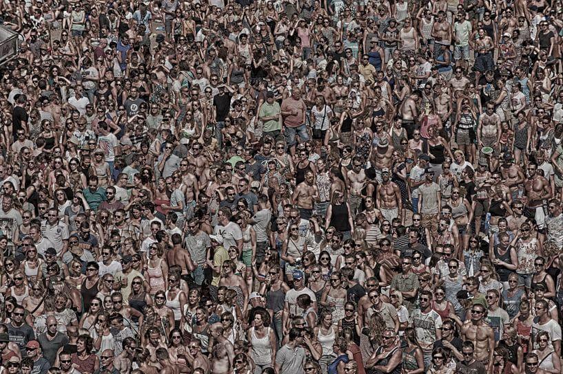 Mensenmassa in HDR beeldvullend van Brian Morgan