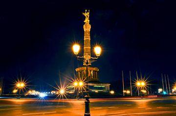 Berliner Siegessäule mit Goldelse von Silva Wischeropp