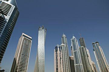 Moderne Wolkenkratzer in Dubai (Emirat und Stadt). von Tjeerd Kruse