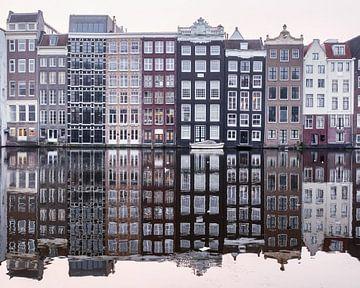 Damrak Reflection van Alexander Tromp