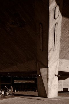 Zonlicht op beton van Raoul Suermondt