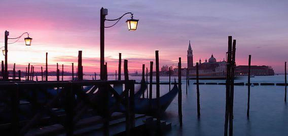 Venetië bij zonsopgang van Bart Ceuppens