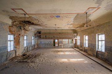 Ballsaal im Niedergang von Kristof Ven