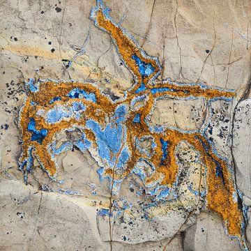Kust van Asturie  met geologische ruiter  van Paul Roholl