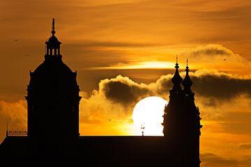 St.-Nikolaus-Kirche bei Sonnenuntergang in Amsterdam von