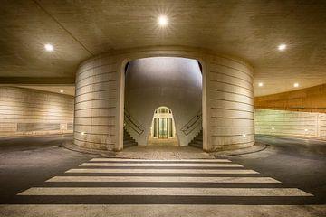 Parkeergarage bij Ciudad de las Artes y de las Ciencias in Valencia van Silvia Thiel