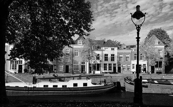 De Brede Haven van Den Bosch in zwart wit.