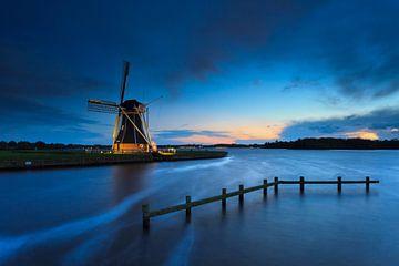 Mill in blue hour sur Karla Leeftink