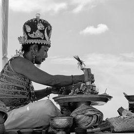 Balinese Priest sur Brenda Reimers