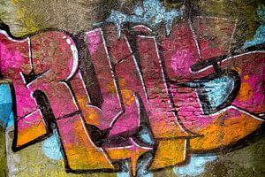 Graffiti #0013 van 2BHAPPY4EVER.com photography & digital art