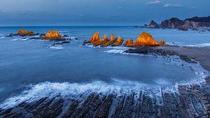 Rotskust Asturië van Chris Stenger